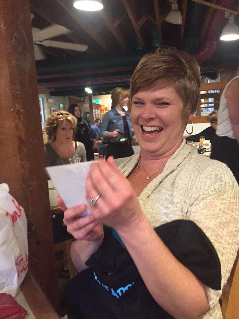 Lynn opens Kerry's Card - www.stampedwithaloha.com