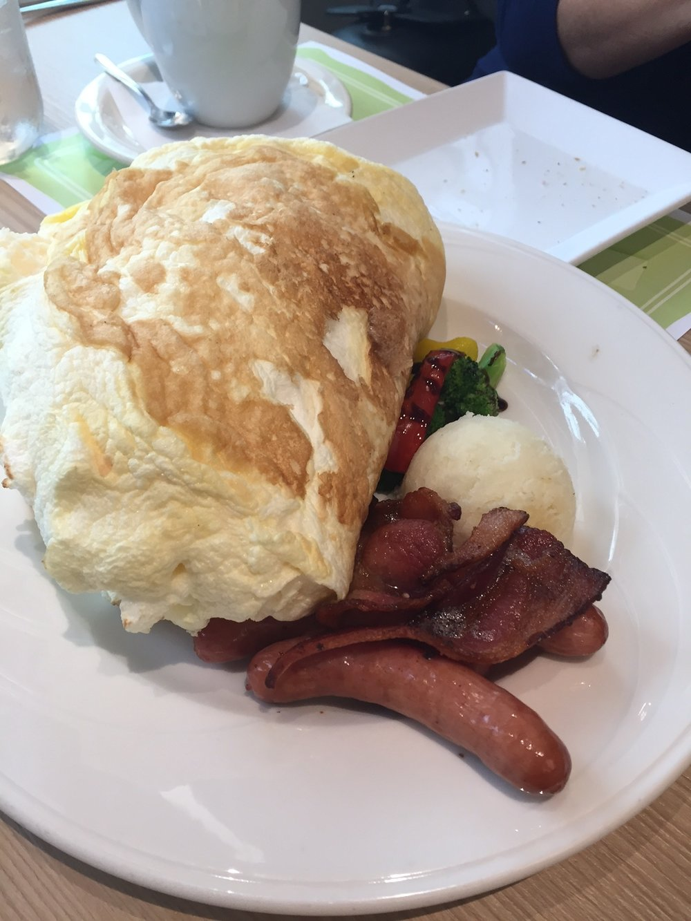 Egg Souffle at Cafe Lani - www.stampedwithaloha.com