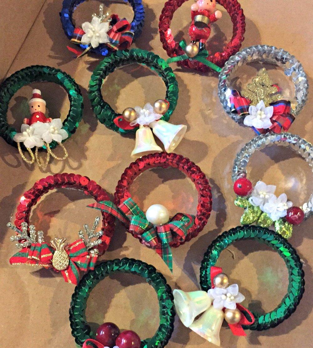 Christmas Pins - www.stampedwithaloha.com