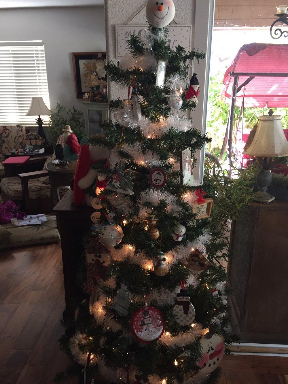 Snowman Tree - www.stampedwithaloha.com