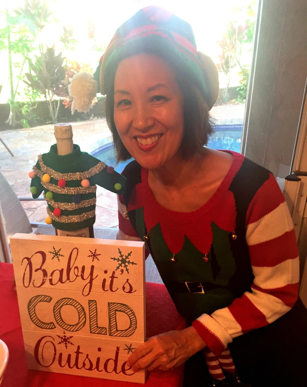 Pam's elf sweater is so cute - www.stampedwithaloha.com