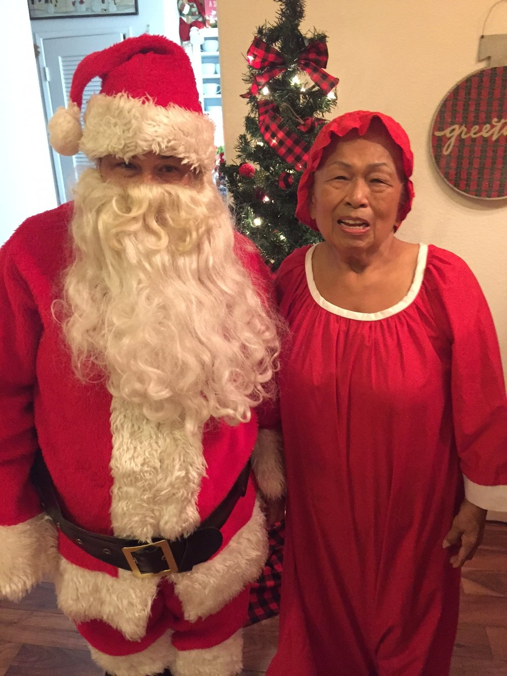Santa and Mrs. Claus Surprise visit - www.stampedwithaloha