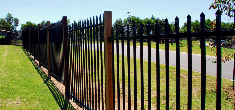 Zeus aluminium  press top boundary fencing