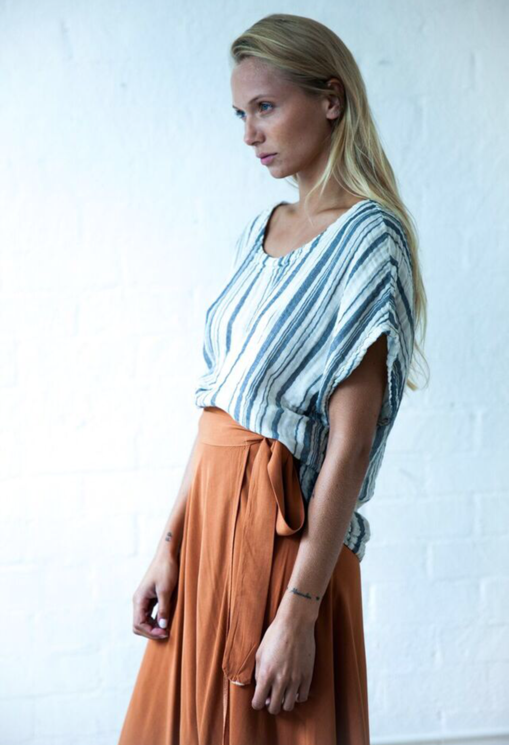 Leor designs clothing.