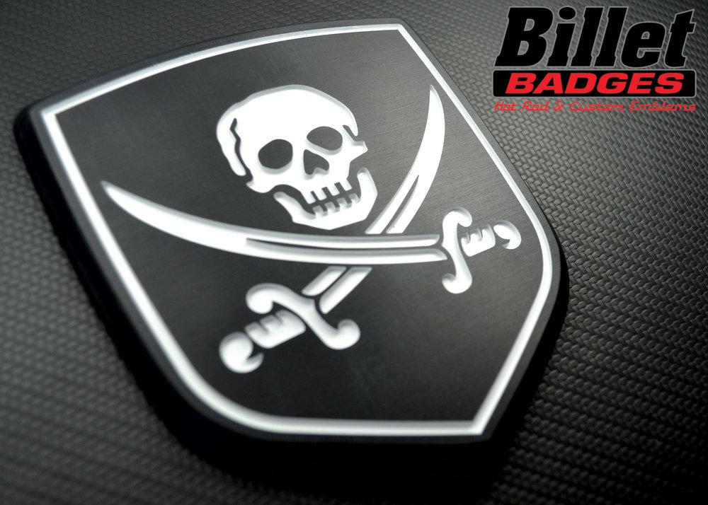 skull_swords_jolly_roger_ram_shield.jpg
