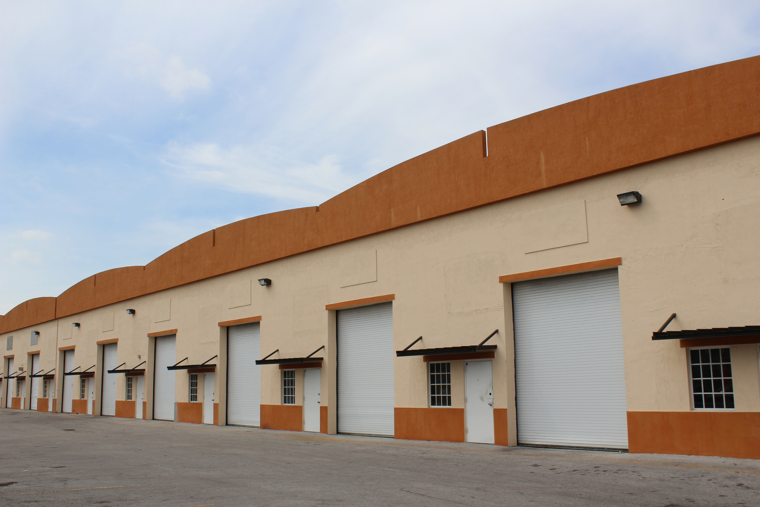 Street level warehouse