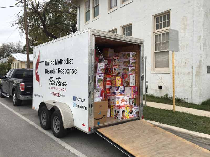 Rio Texas Conference support in transporting the supply donations in response to the recent arrival of refugees released from the detention centers.