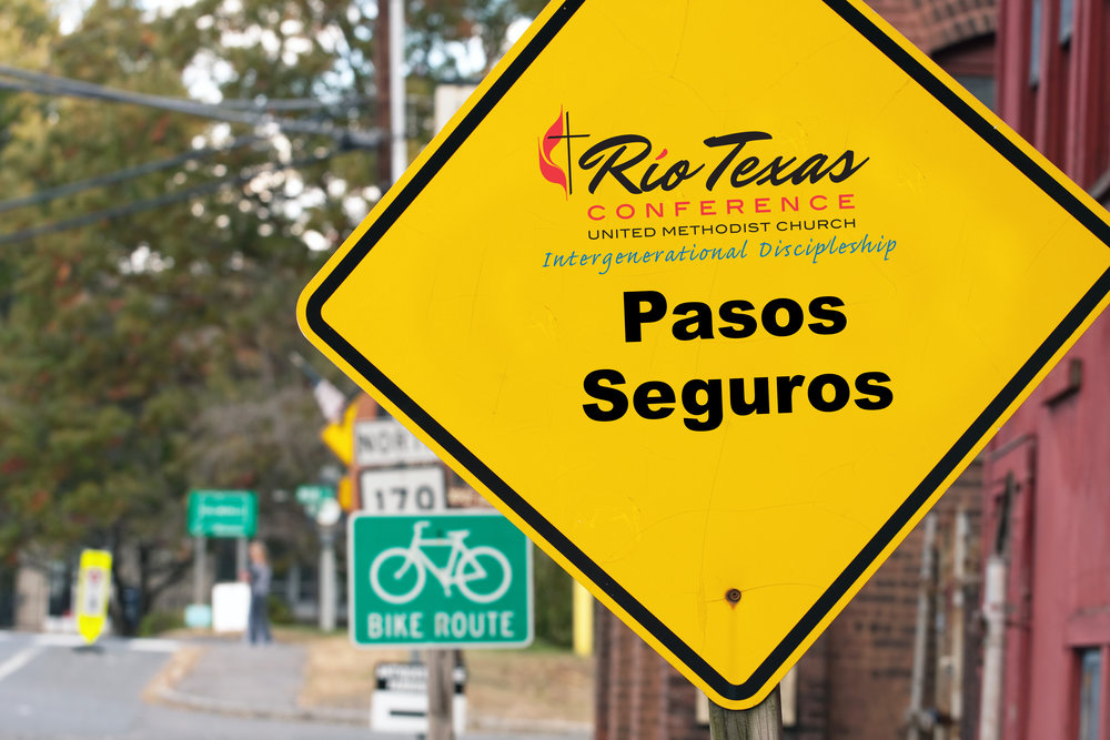yellow-Pasos-Seguros-sign.jpg