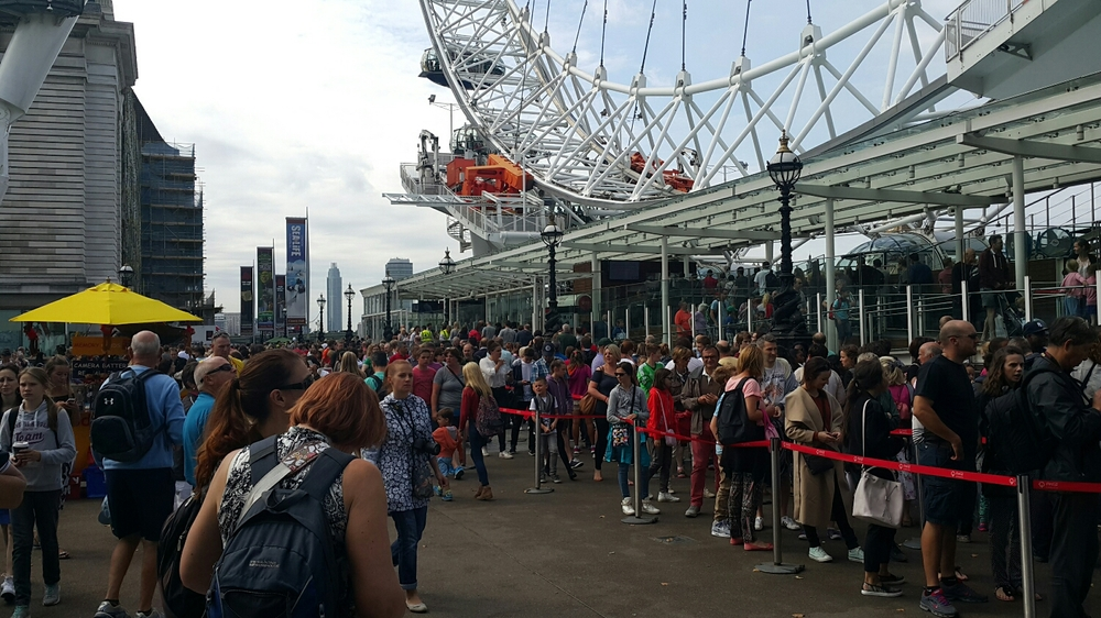 Mega people everywhere. This is the line of people to go on the London eye