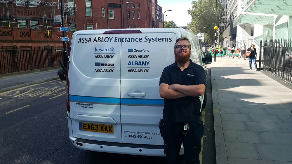 Ginger out in his van. Whats the odds of bumping into him in London