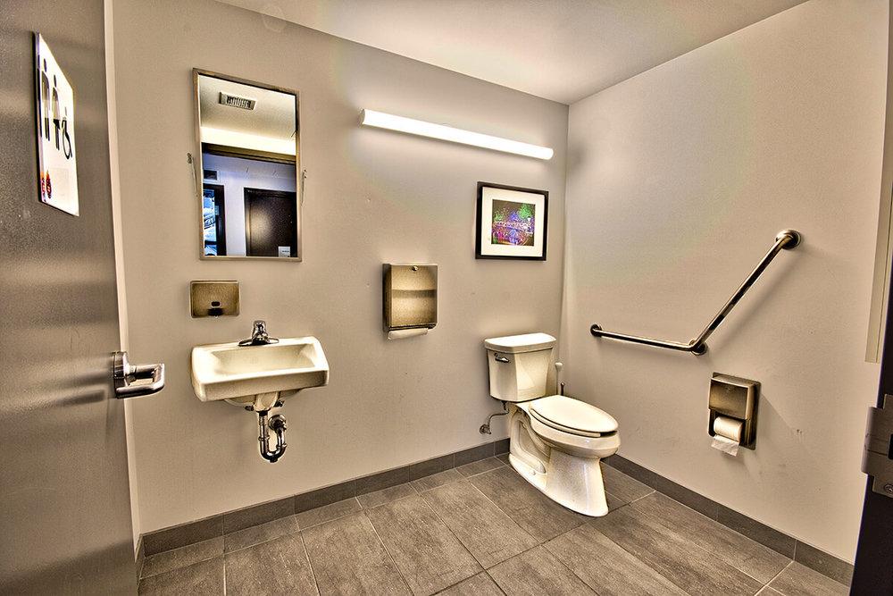 Copy-of-DSC_8964_HDR-Main-floor-washroom_edit.jpg
