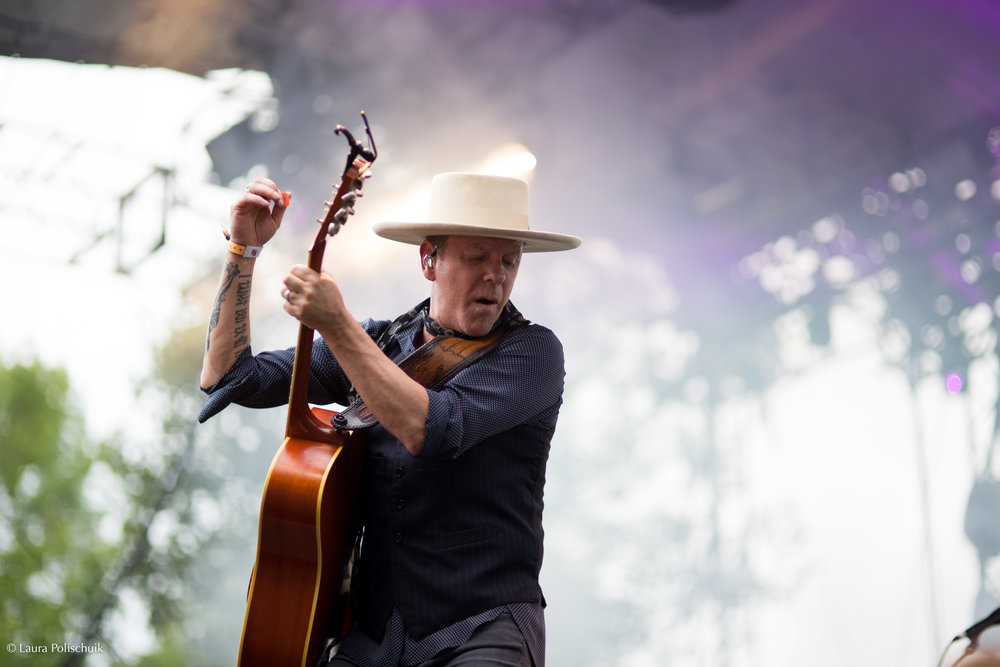Kiefer Sutherland, AKA Jack Bauer, kicking ass at Boots & Hearts, Oro-Medonte ON 2017