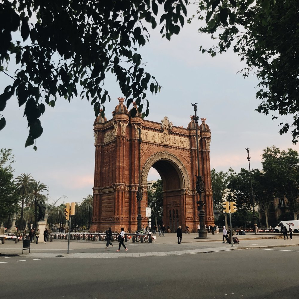 Arc de triomf in all it's glory.