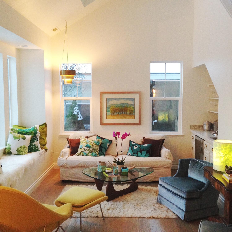 Womb chair living room - My Living Room Featuring Eero Saarinen Womb Chair Tord Boontje Light Vintage Velvet