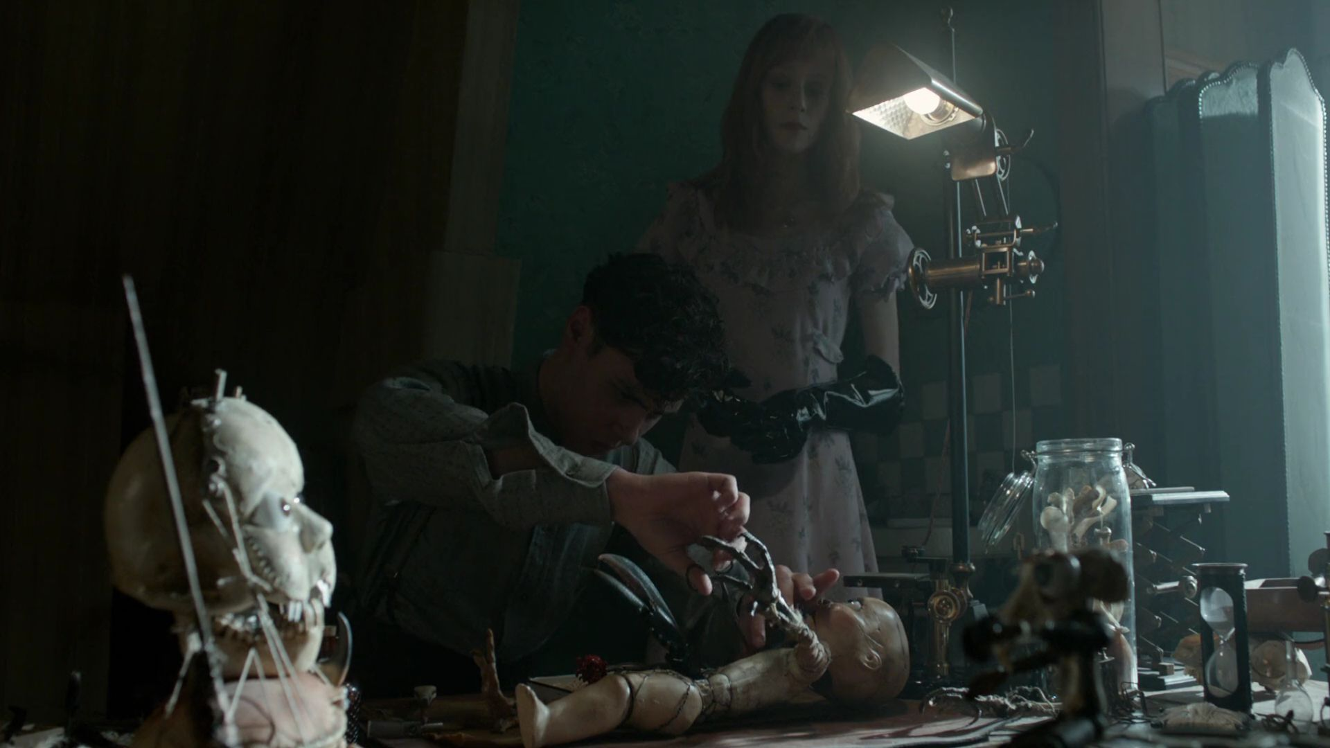 Screenshot from Miss Peregrine's Home for Peculiar Children (2016) trailer.