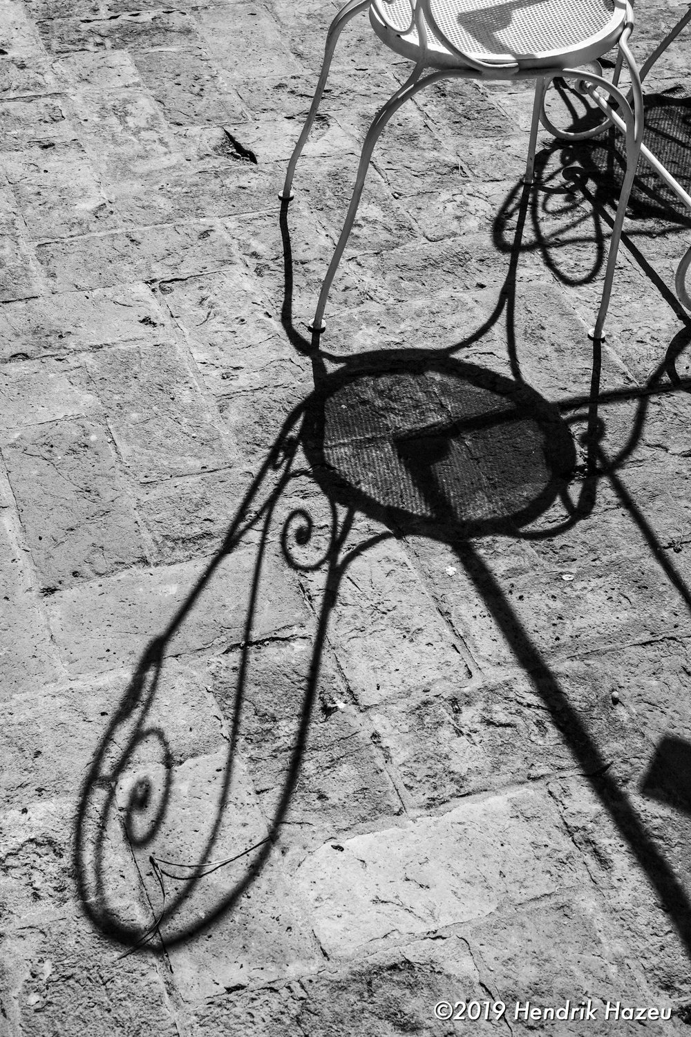 Stylish shadow details on our terrace at Cà Palazzo Malvasia: Seen with Fuji X-H1 & XF 35 mm f/1.4 @f/8