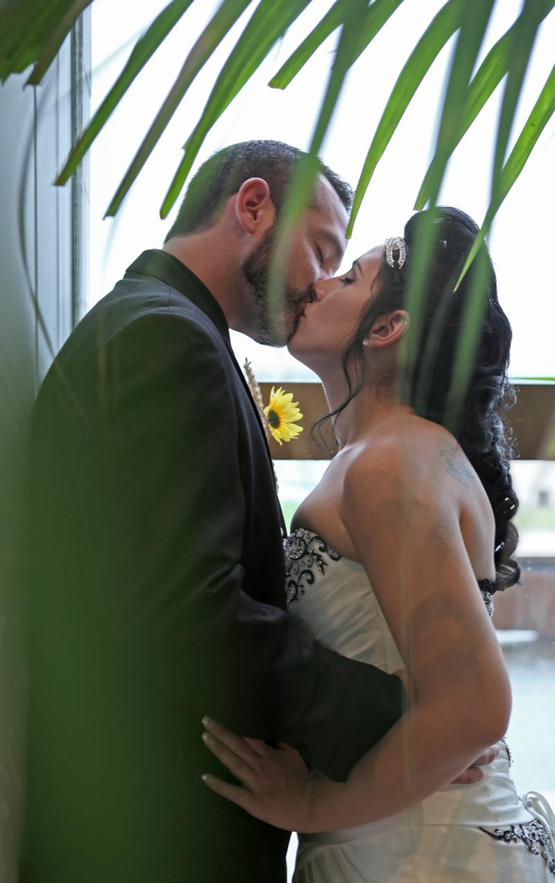 IMG_1080-dream-love-grow-photography_LISA-AND-JONNY_LO-RES.png