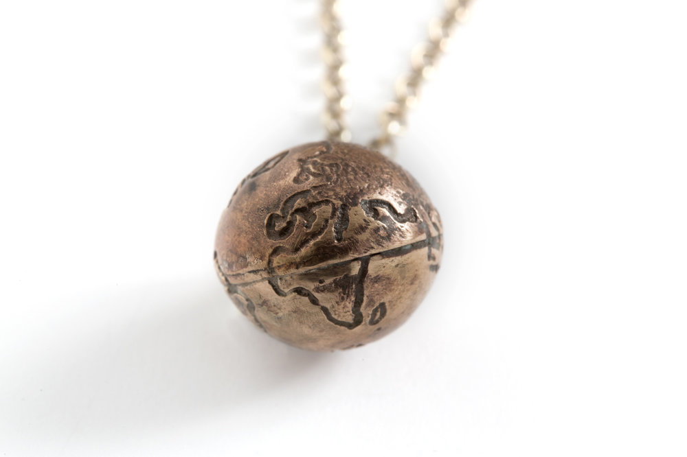Pendant EARTH in bronze and goldplated silver.jpg