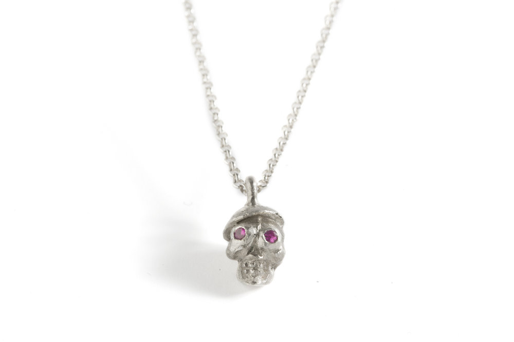 Pendant SKULL in silver and rubies.jpg