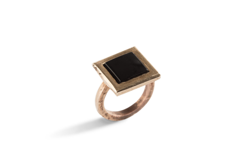 Ring SMALL COLOURS in bronze and onyx.jpg
