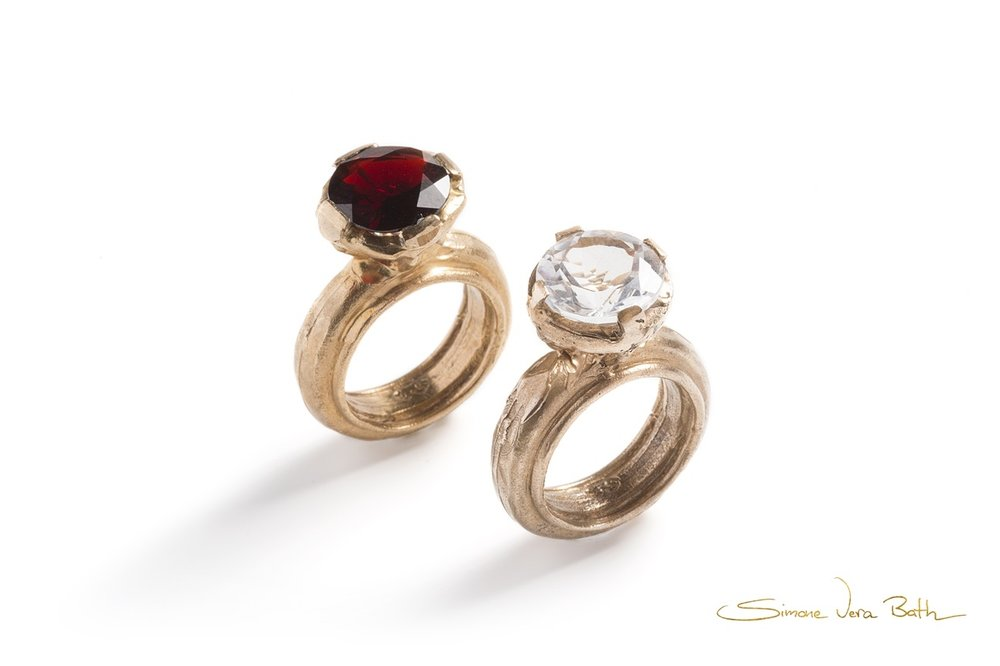 SVB Ring TOWER -round -merlon in bronze with quartz and garnet.jpg