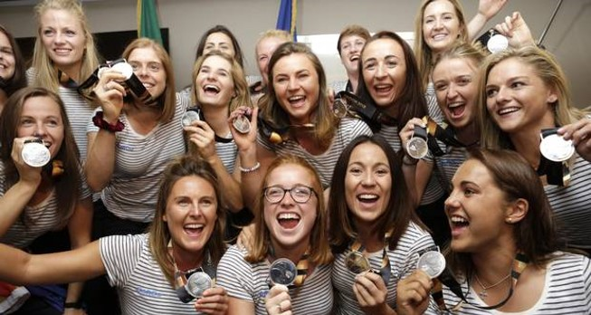 New dawn: The women's hockey team show their silver medals at Dublin Airport. Photo: Damien Eager