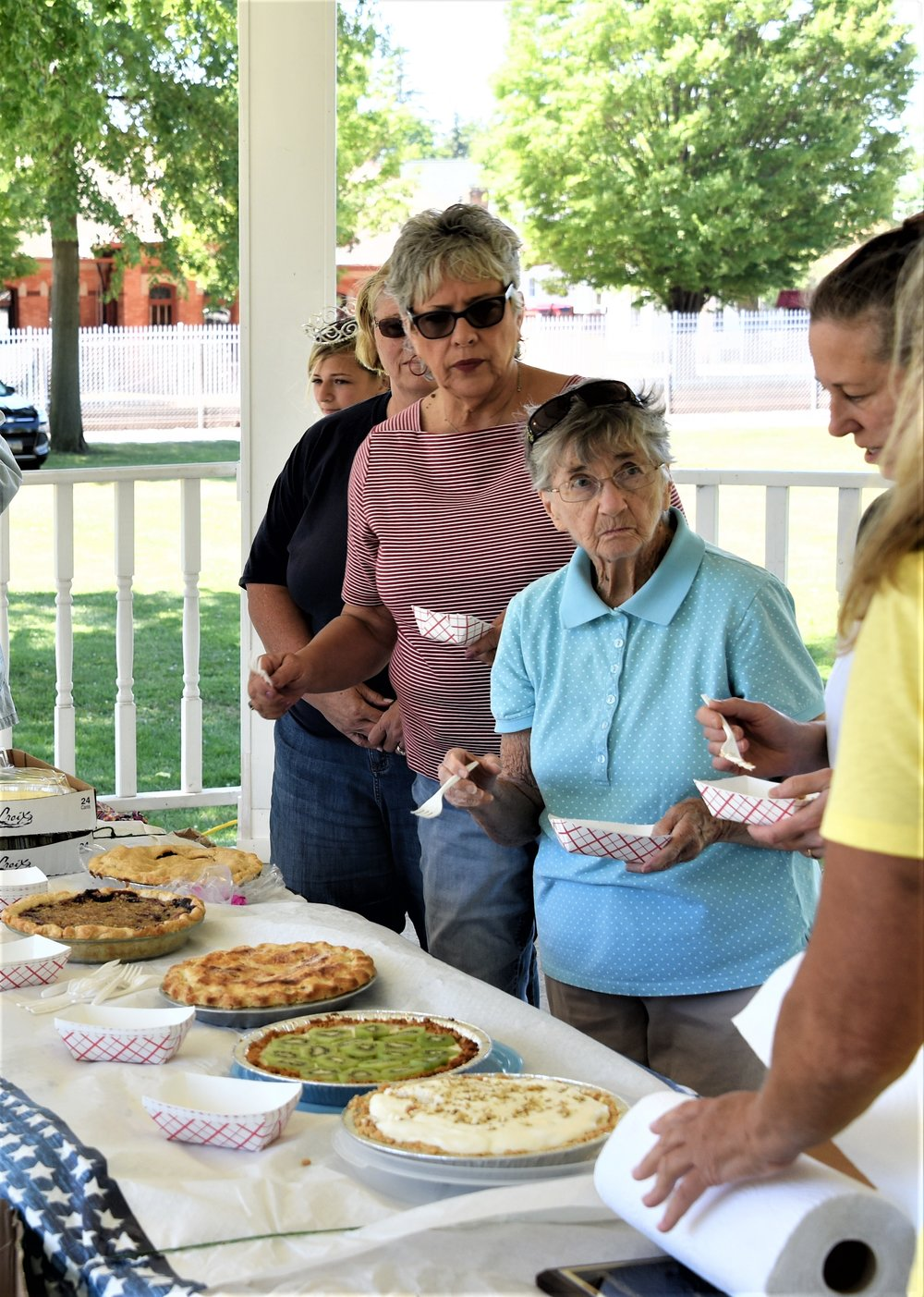 PIE BAKING CONTEST  JUDGING
