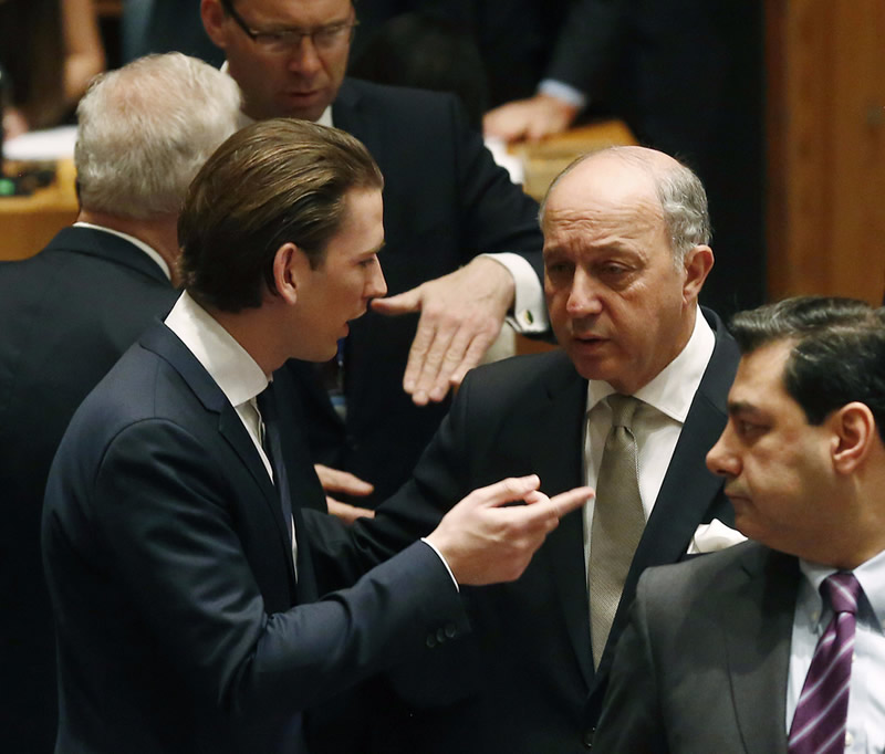 FM Sebastian Kurz in conversation with the foreign minister of France, Laurent Fabius. New York, UN, March 27, 2015. Photo: BMEIA/Tatic