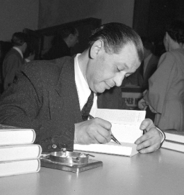 Friedrich Torberg (1908-1979) Journalist and writer, immigrated 1940 (ÖNB)