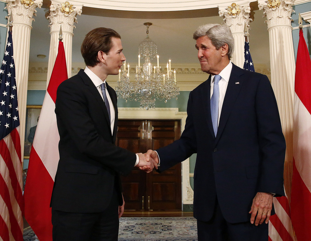 FM Kurz & Secretary Kerry. Photo: Dragan Tatic