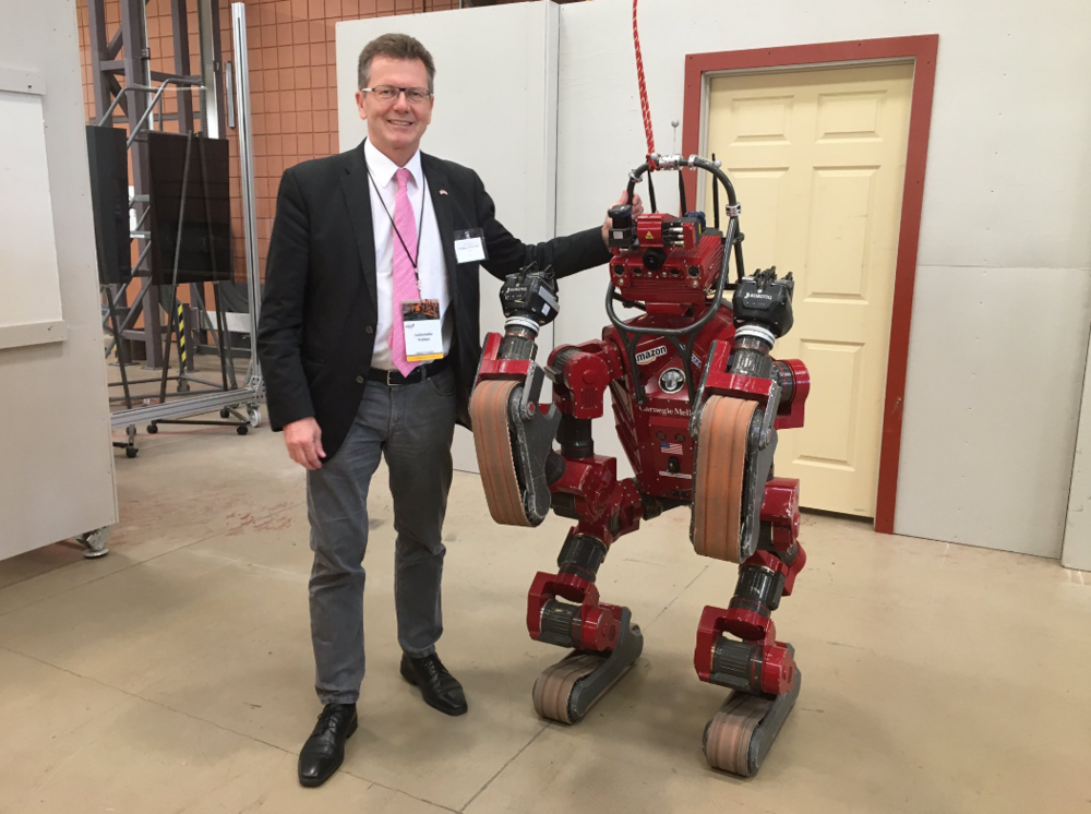 Ambassador Waldner at the national Robotics Engineering Center, Pittsburgh, PA.  Photo: https://twitter.com/waldnerwolfgang