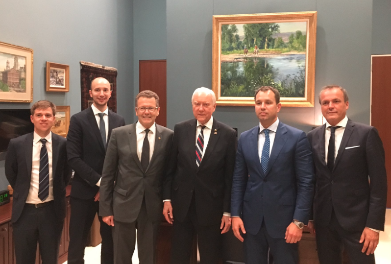 Simon Ellmauer (Embassy of Austria), Paul Rzepa (Austrian Ministry of Finance), Ambassador Wolfgang Waldner, U.S. Senator Orrin Hatch, Secretary General Thomas Schmid (Austrian Ministry of Finance), and Director General Eduard Müller (Austrian Ministry of Finance) (c) https://twitter.com/waldnerwolfgang