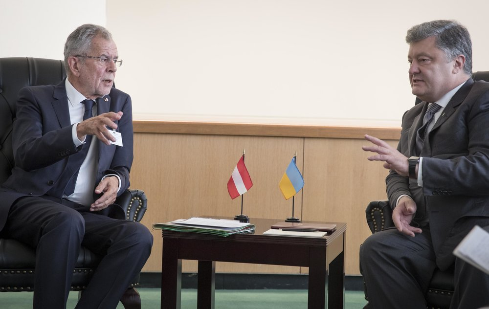 President Alexander Van der Bellen meets with Ukrainian President Petro Poroshenko,Photo:Peter Lechner/HBF