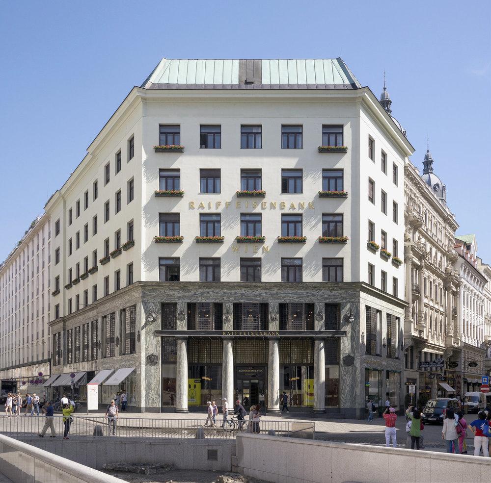 Adolf Loos,Looshaus on Michaelerplatz, Vienna, 1910. Wikiemdia/ Thomas Ledl