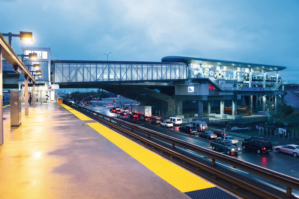 Oakland Airport Connector, Oakland, CA. Photo: Doppelmayr
