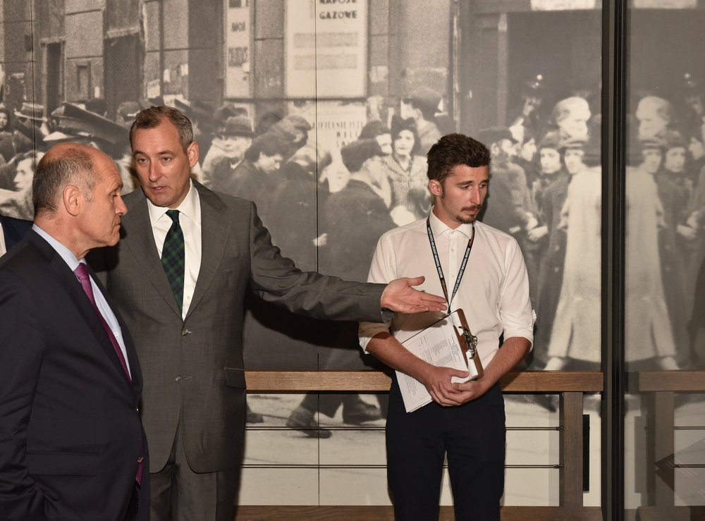 from left: Wolfgang Sobotka guided by the Austrians Anatol Steck (USHMM, Director of International Archival Programs), and Nino Perin, who currently does a Holocaust Memorial Service at the USHMM