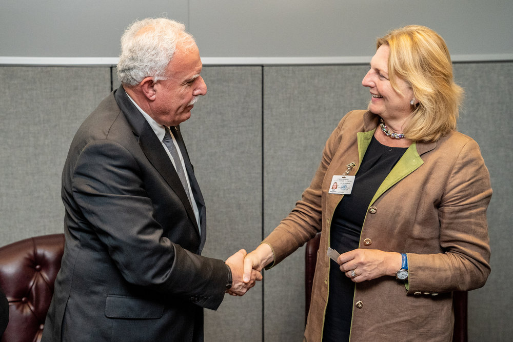 Foreign Minister Karin Kneissl holding a bilateral talk with Foreign Minister of Palestine, Riad al-Malki (c) Austrian Ministry of Foreign Affairs
