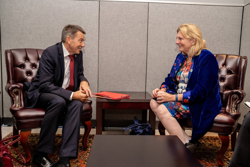 Foreign Minister Karin Kneissl meets with the President of the International Committee of the Red Cross, Peter Maurer (c) Austrian Ministry of Foreign Affairs
