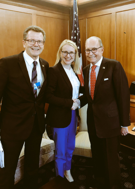 Austrian Ambassador Waldner and Minister Schramböck were warmly received by Larry Kudlow, Director of the U.S. National Economic Council (c) Wolfgang Waldner