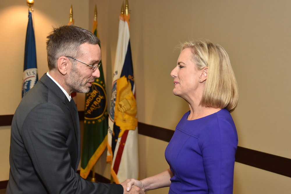 Austrian Federal Minister for the Interior Herbert Kickl with U.S. Homeland Security Secretary Kirstjen M. Nielsen (c) Peter Alunans