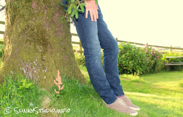Jack & Jones Premium Ben Classic Skinny Jeans leaning Against Tree.jpg