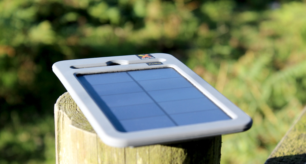 A-Solar Xtorm Yu Charger AM115 Front View.jpg