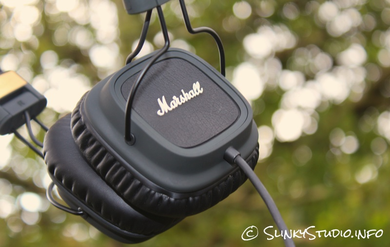 Marshall Major FX Headphones Close Up.jpg