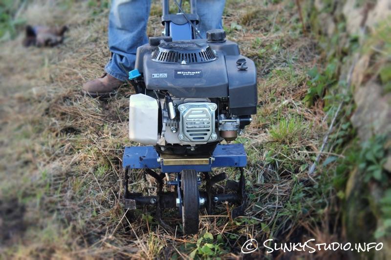 Einhell BG-MT 3336 Petrol Tiller Front View.jpg