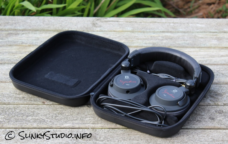 Ultrasone Signature Pro Headphones Carry Pouch.jpg