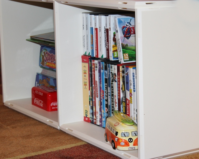Qubing Shelving Bottom Shelves.jpg