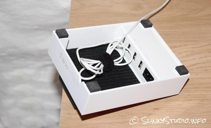 Xtorm Pixl Power Hub Velcro USB Ports.jpg
