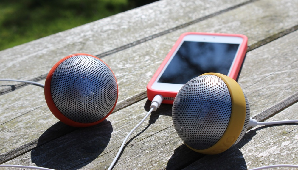 OYO Ballo Speakers with iPhone 5.jpg