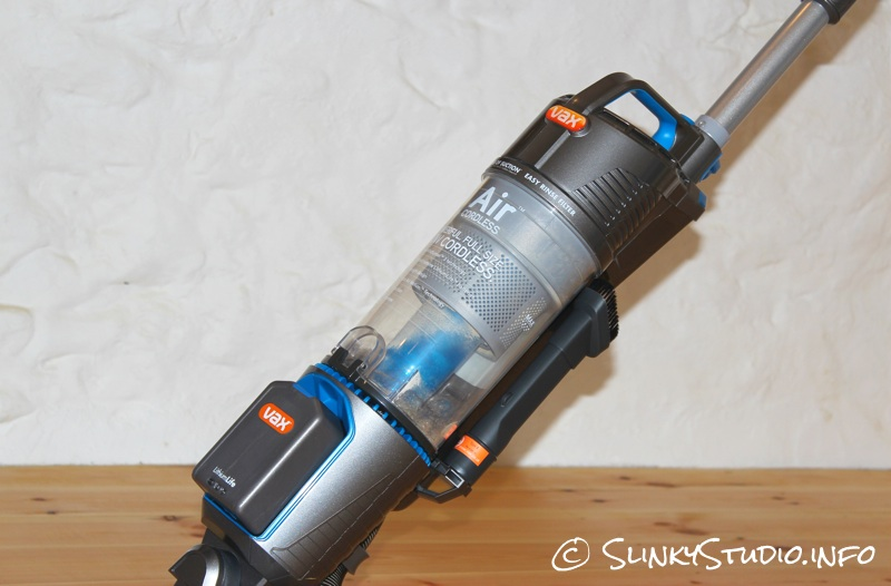 Vax Air Cordless Up Close W: Bin.jpg
