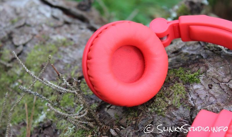 Urbanears Zinken Headphones Earcup Tomato Red.jpg